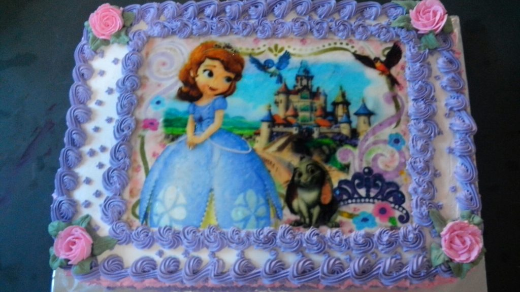 bolo da princesa sofia com papel de arroz