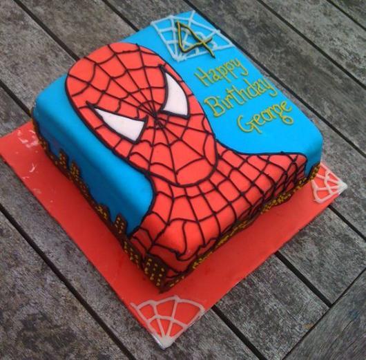 bolo do homem aranha quadrado