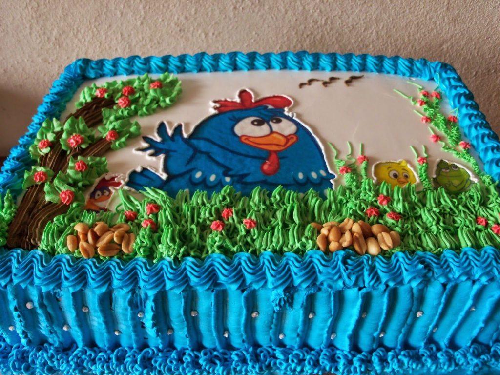 bolo da galinha pintadinha de chantilly