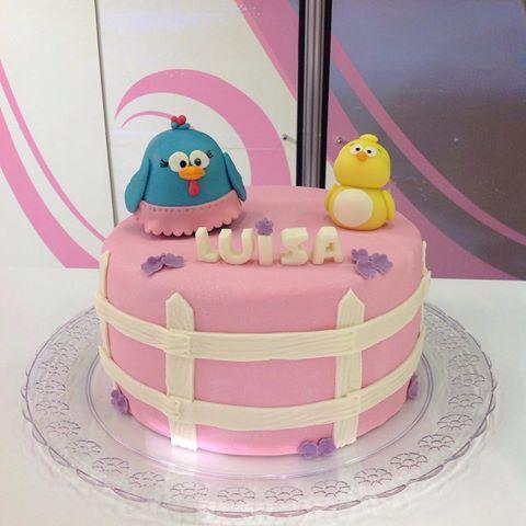 bolo da galinha pintadinha rosa