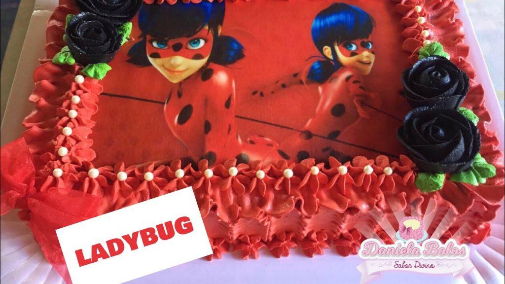 Bolo Ladybug com papel de arroz