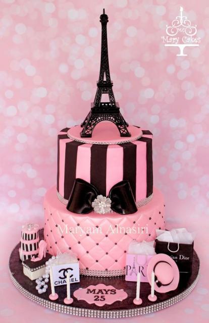 Bolo Paris rosa e preto