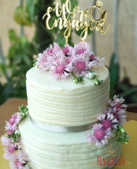 bolo de noivado com flores