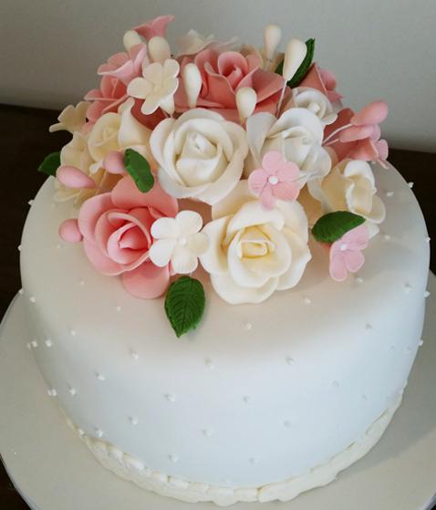 bolo de noivado redondo