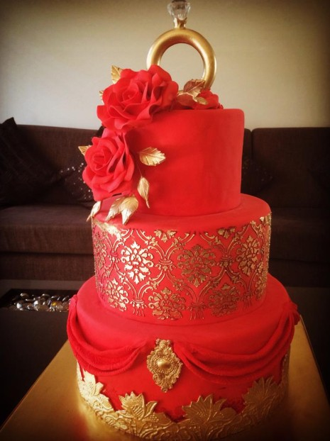 bolo de noivado vermelho