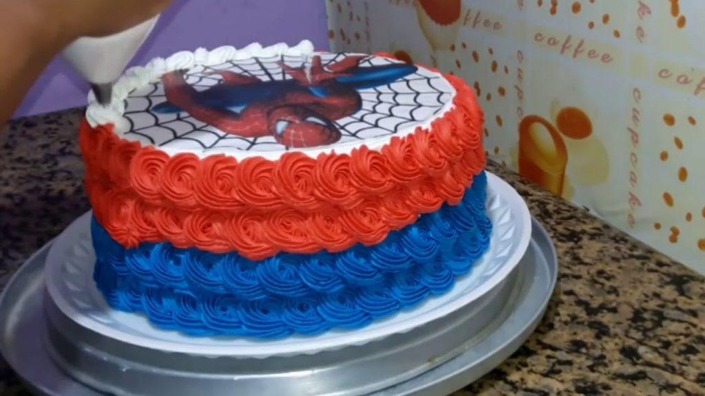 bolo do homem aranha com papel de arroz