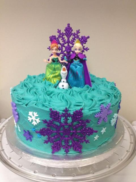 bolo da frozen com glace