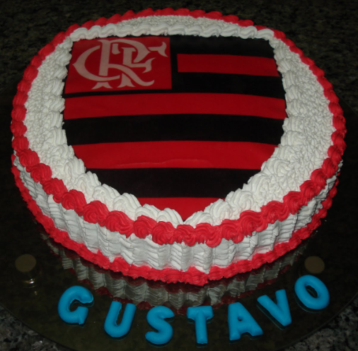 bolo do flamengo chantilly redondo