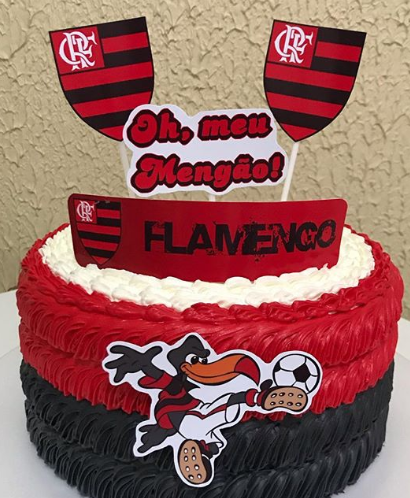 bolo do flamengo chantilly redondo