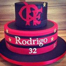 bolo do flamengo dois andares