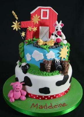 bolo fazendinha 2 andares