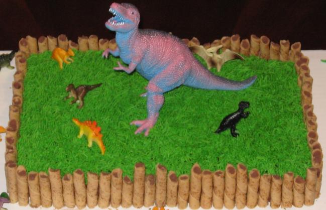Bolo de dinossauro simples