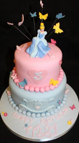 bolo da cinderela azul e rosa