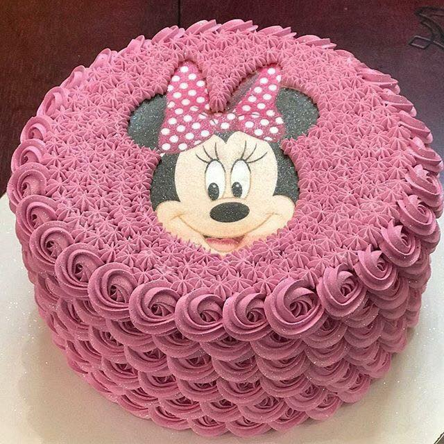 bolo da minnie com chantilly/glacê