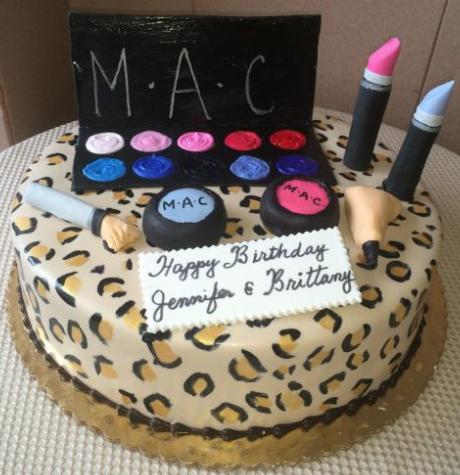 bolo de oncinha com maquiagem