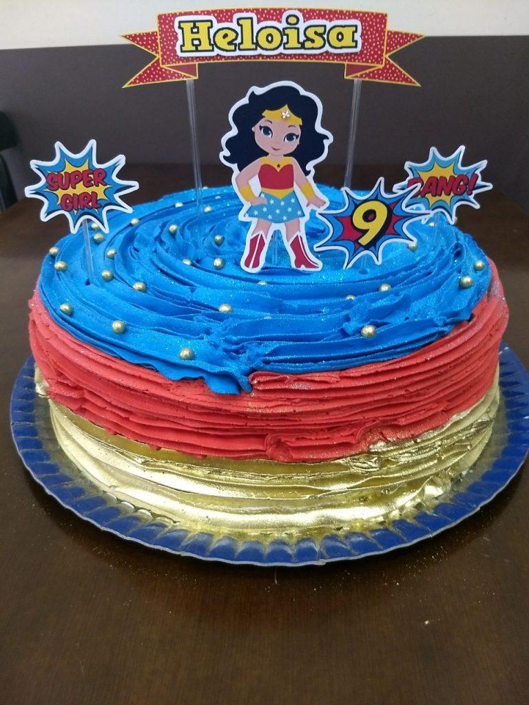 bolo mulher maravilha de chantilly