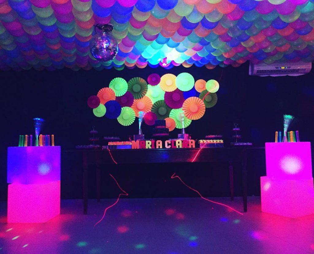festa neon 15 anos
