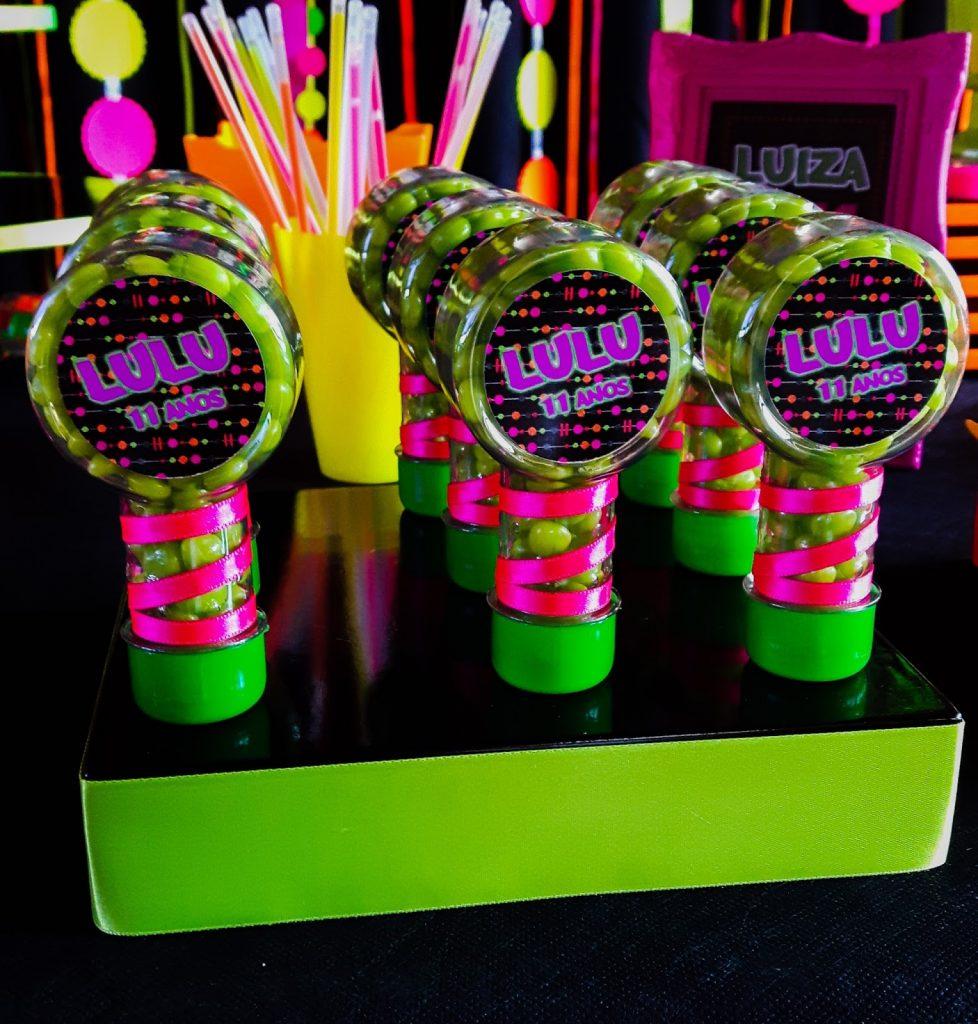 lembrancinhas festa neon