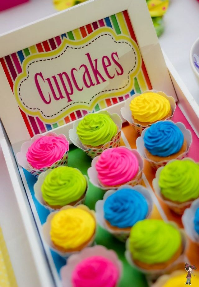 doces para festa neon