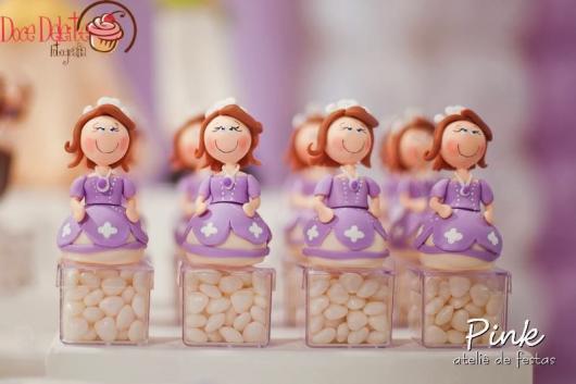 Lembrancinhas daPrincesa Sofia de biscuit