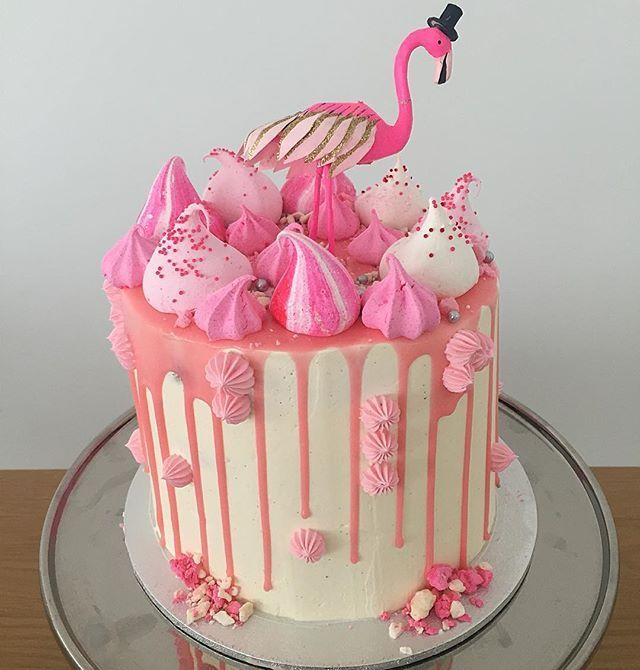 round flamingo cake