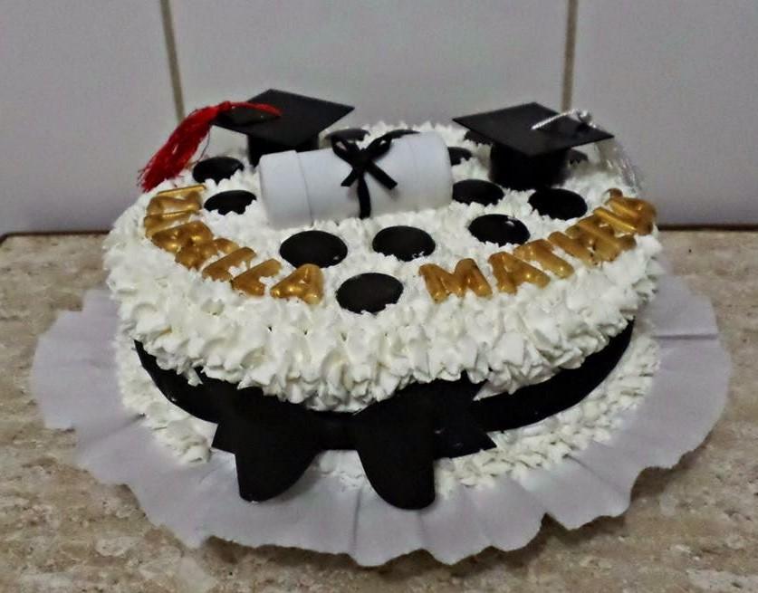 bolo de formatura com chantilly
