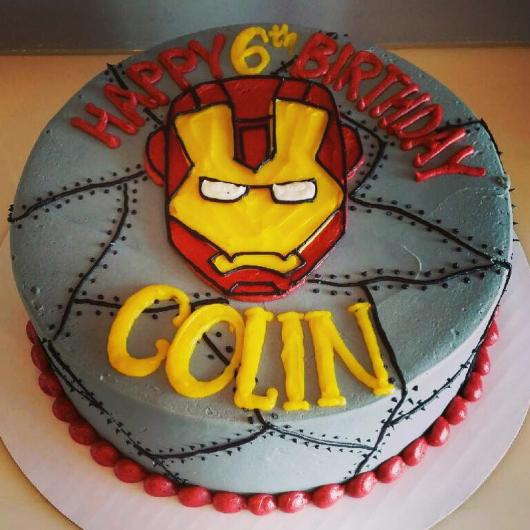 bolo homem de ferro simples
