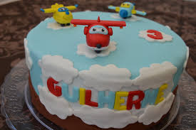 bolo super wings simples