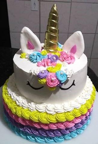 bolo unicornio chantilly dois andares