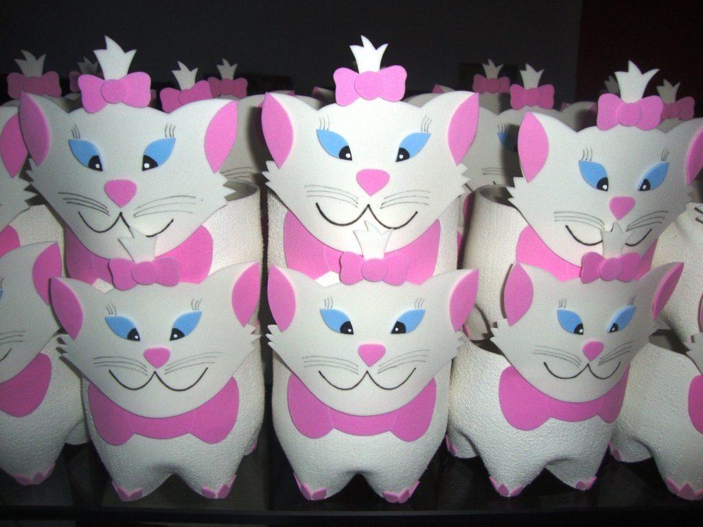 lembrancinha gatinha marie garrafa pet