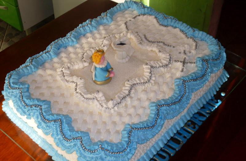 bolo batizado chantilly