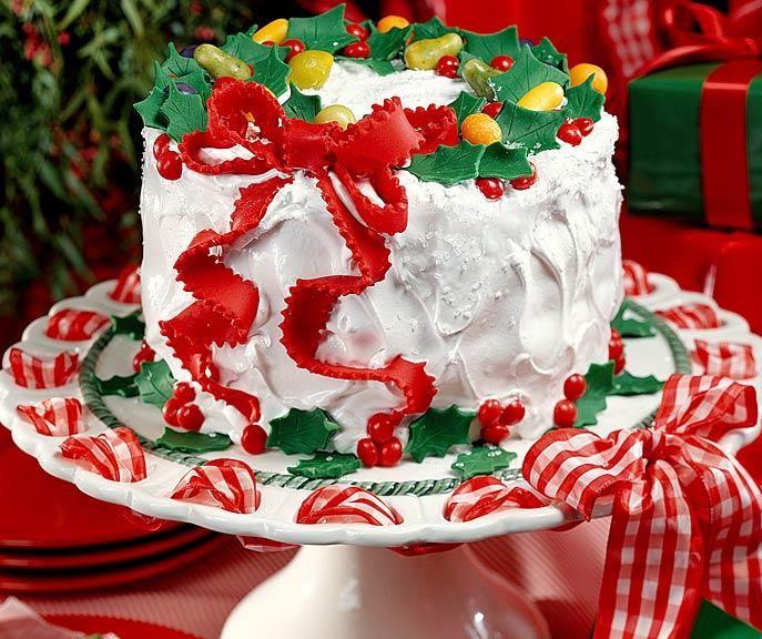 bolo decorado com chantilly redondo