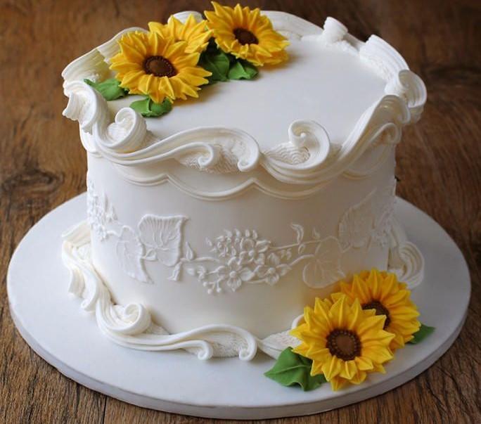 bolo girassol simples