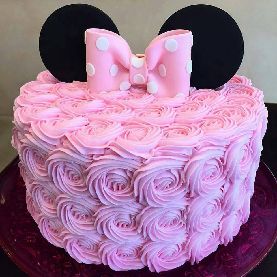 Bolo da Minnie rosa: 70 modelos lindos e criativos para se inspirar,  confira!