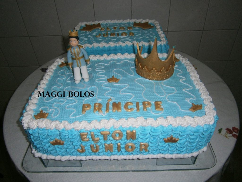 bolo pequeno príncipe quadrado