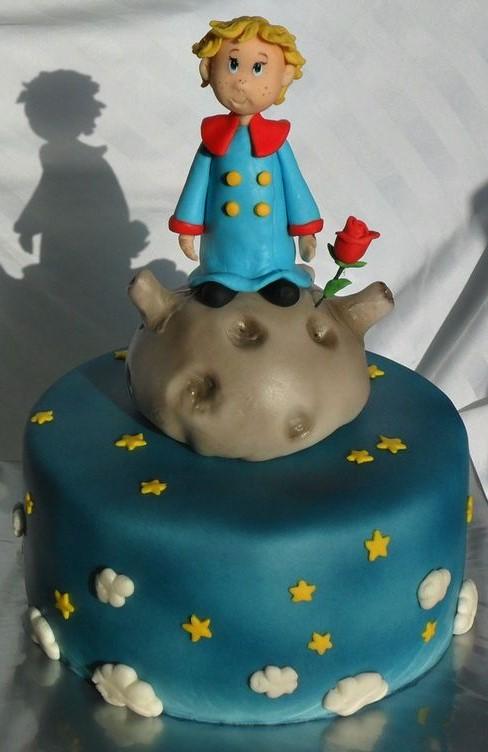 bolo pequeno príncipe pasta americana