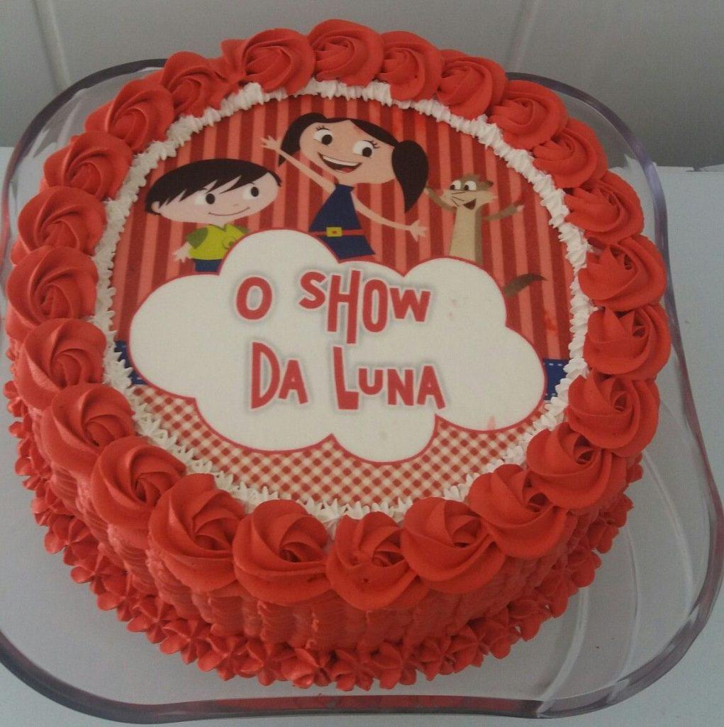bolo show da luna com chantilly glace
