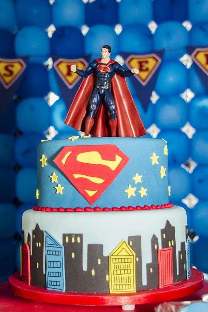 bolo super homem 2 andares