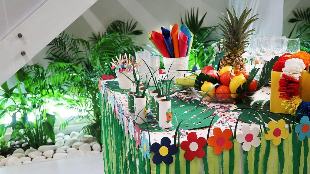festa tropical decoração mesas