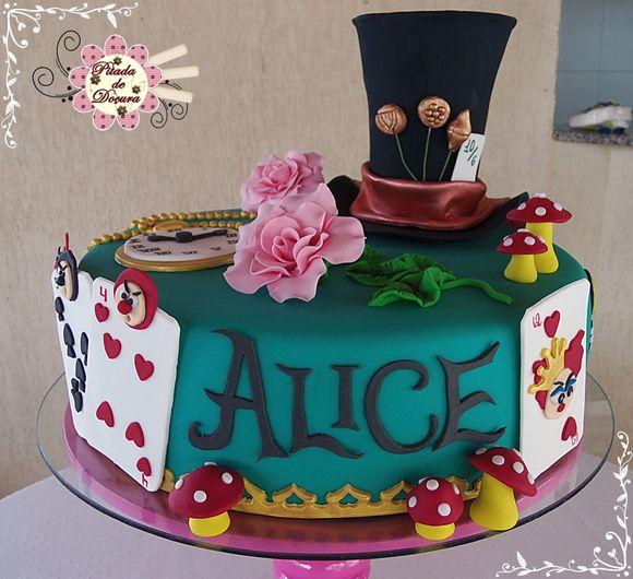 bolo Alice no país das maravilhas pasta americana