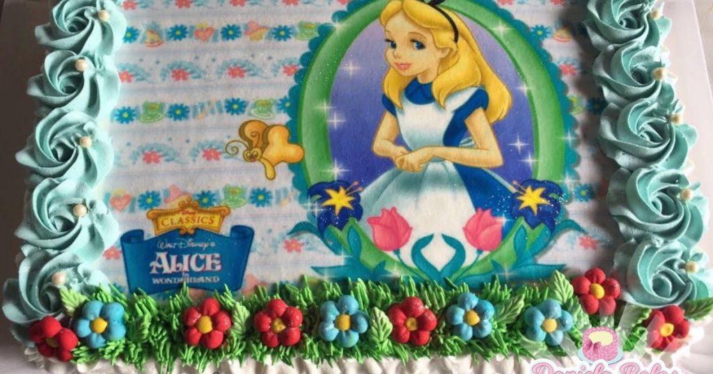 bolo Alice no país das maravilhas chantilly