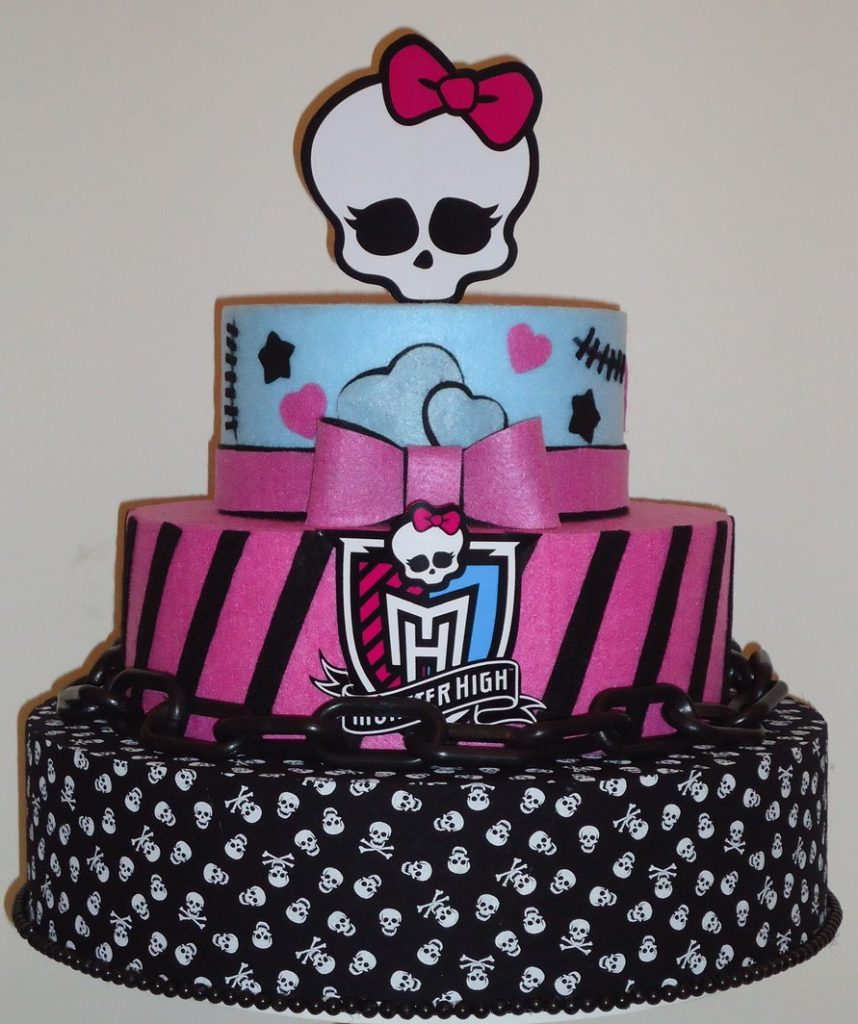 bolo da monster high fake