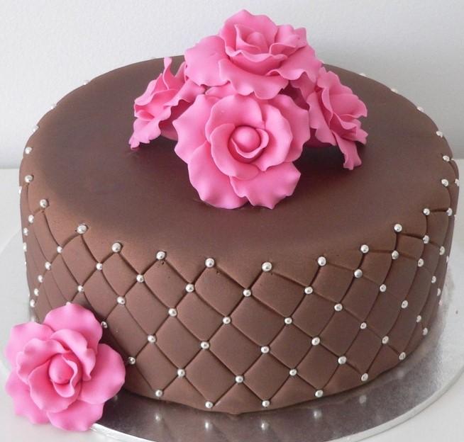 bolo com rosas pasta americana