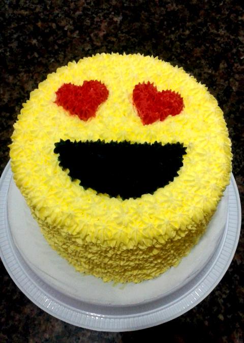 bolo emoji simples