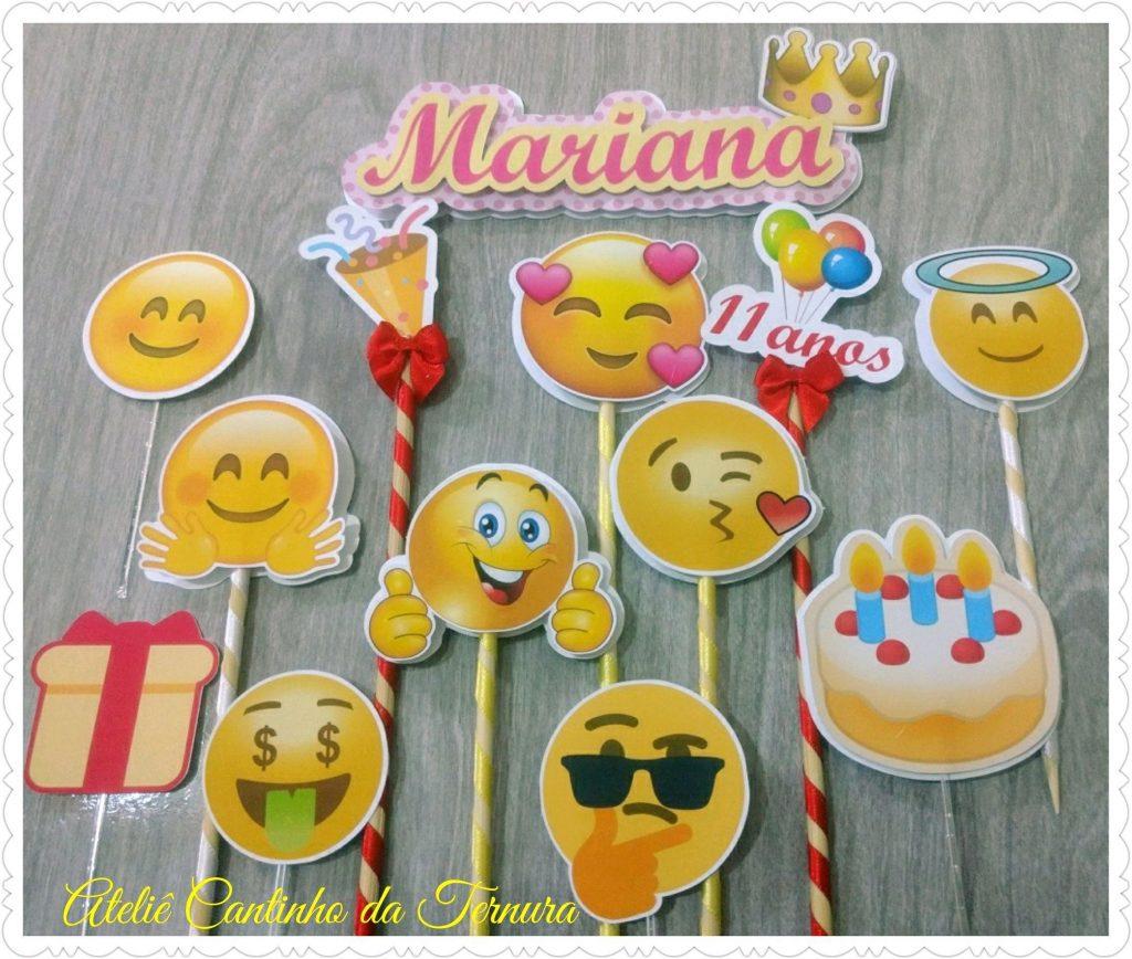 bolo emoji apaixonado