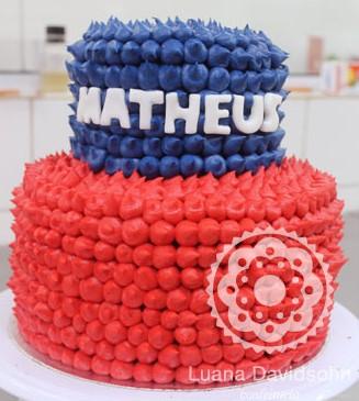 bolo vermelho e azul