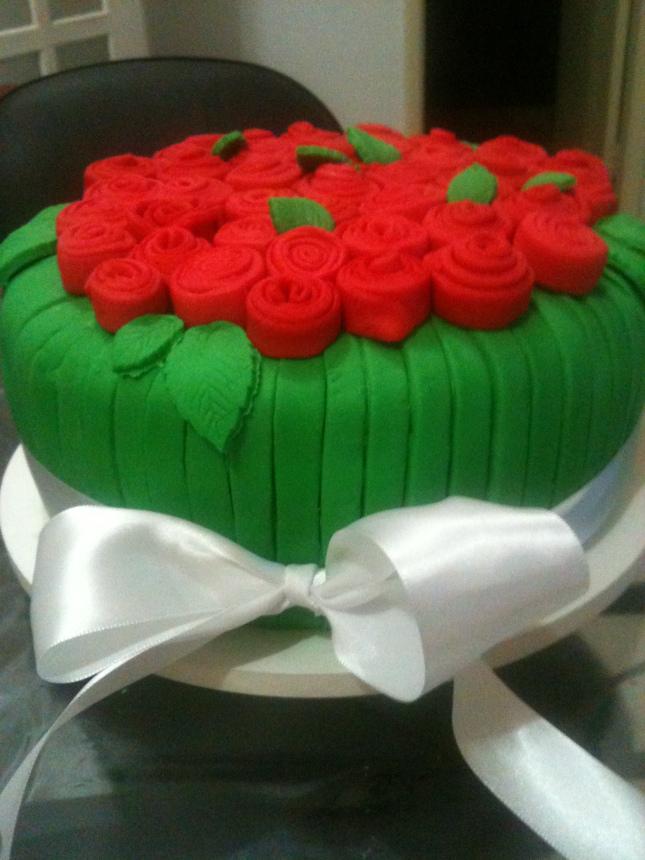 bolo vermelho e verde