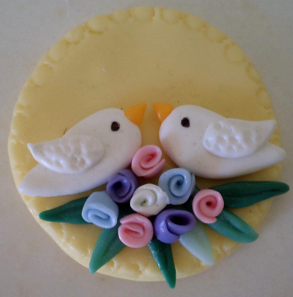 lembrancinha noivado biscuit