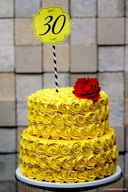 bolo amarelo chantilly