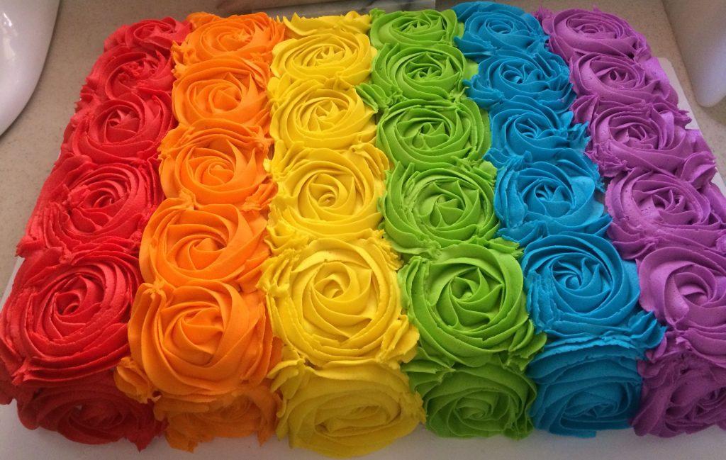 bolo colorido quadrado